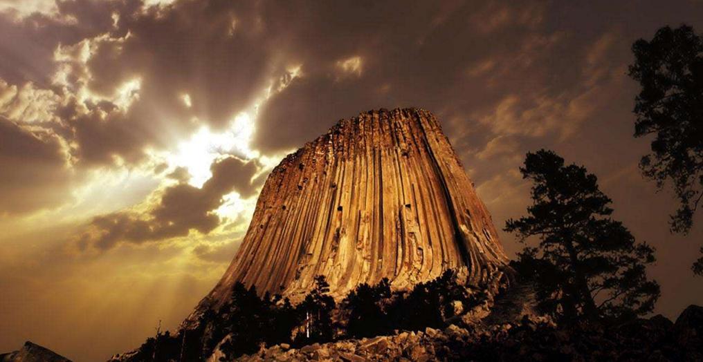 全球最古怪的 14 个地方,巧克力山你见过吗?