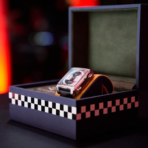 泰格豪雅发布新Monaco限量版腕表