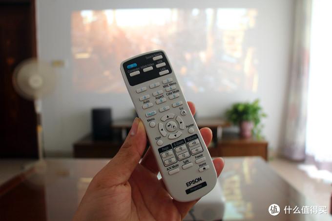 年轻人的家里都应该有一台巨屏高清看片神器,爱普生CH-TW610投影机上手体验!