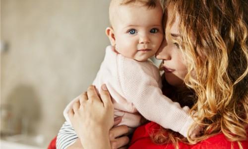 选对婴儿摇椅,妈妈从此告别麒麟臂