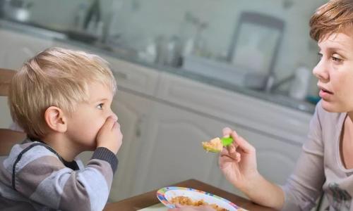 科学育娃好帮手,OXO让宝宝爱上自主吃饭